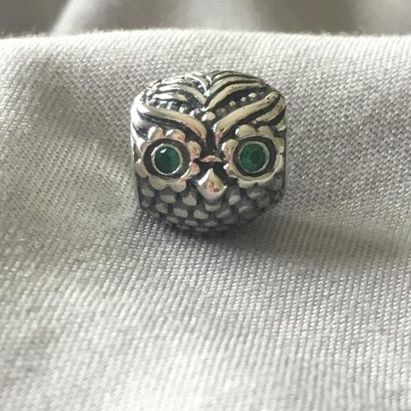7f40417ac Pandora Wise Owl Charm. M_5b7320231070ee0adc41f5c8